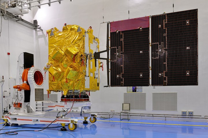 9insat-3drsatelliteincleanroom