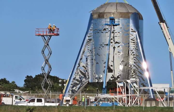 boca-chica-starship-final-dome-install-012419-nasaspaceflight-bocachicagal-3-crop-c
