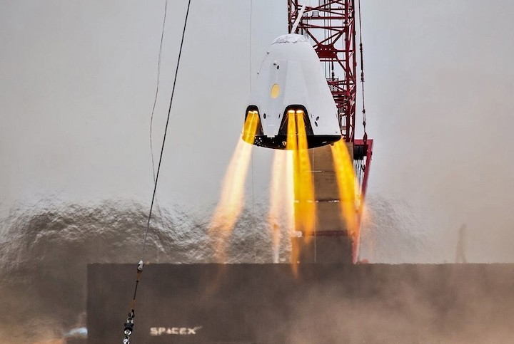 crew-dragon-superdraco-hover-test-spacex-crop