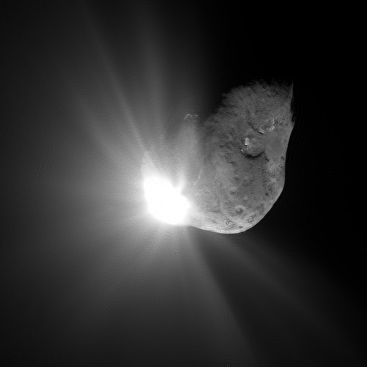 deep-impact-spacecraft-tempel1-7-4-2005