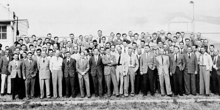 group-of-104-german-rocket-scientists-in-1946-including-news-photo-1582490910