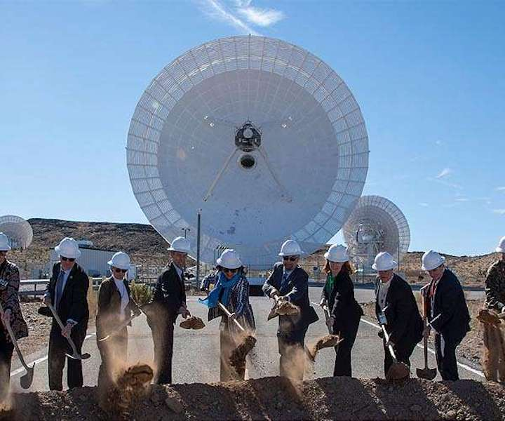 nasa-jpl-goldstone-california-antenna-deep-space-network-broke-ground-hg
