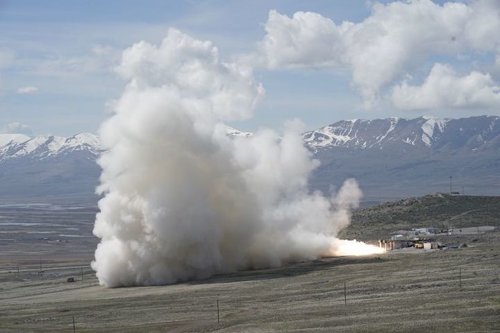 northropgrummansuccessfullycompletessecondgroundtestofnewrocketmotorforunitedlaunchallianceatlasv-10-1