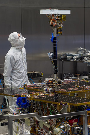 pancam-mast-fitted-to-exomars-rover-medium