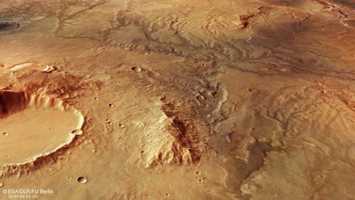 perspective-view-of-ancient-river-valley-network-on-mars-large
