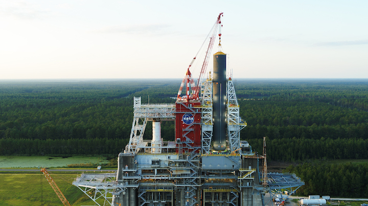 sls-core-stage-pathfinder-loaded-into-b2-test-stand