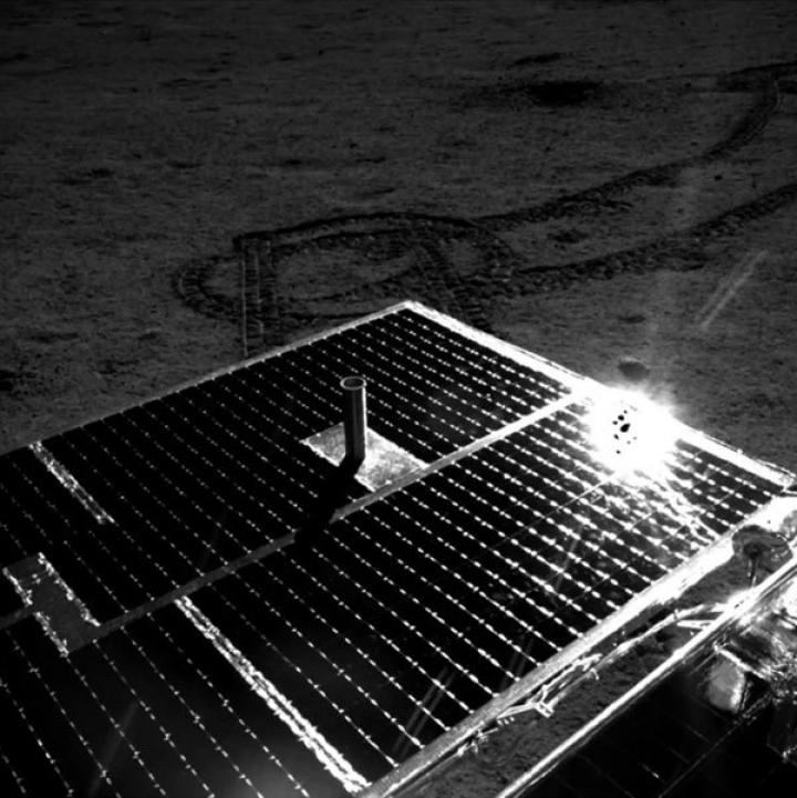 solar-array-yutu2-drive-diary-5-july2019-1-600px-1