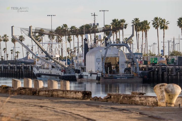 spacex-fairing-recovery-boats--1