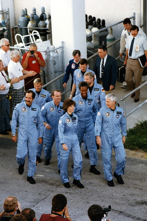 sts-61a-1