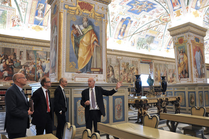 vatican-library-tour-node-full